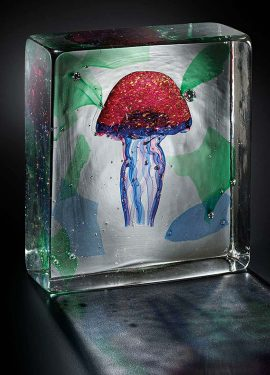 Aquarium made of Murano glass with the submerged technique. In this case we see a submerged jellyfish in an aquarium with a blue and green background.