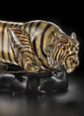 Authentic 65cm work of art depicting a tiger ready to jump in crystal glass and 24K gold leaf. Entirely handmade