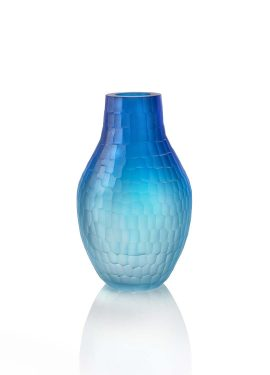 Murano glass vase made with two colors that gradually blend into each other. The vase is then finished in the mill.