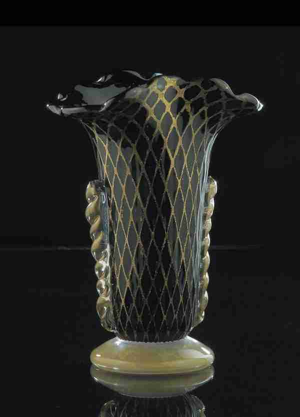 """Red Gold Blown Vase made of Murano glass. the effect given by 24K gold is in the shape of a """"retinato"""" network."""
