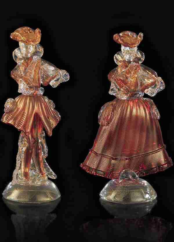 Venetian statues for men and women in Murano glass. Made entirely by hand, they are a full expression of the Venetian style.