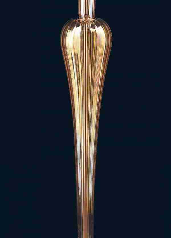 Floor lamp height 185cm, lampshade 55cm, in amber and red murano glass. Structure in galvanized gold.
