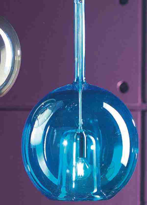 Febe Hanging Suspension Lamps Murano Glass according to ancient Venetian traditions. The shapes of the glass are various and all made with smooth glass, both the external sphere and the internal glass.