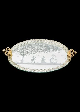 Mirror tray in Venetian style, a unique work of its kind. Handcrafted by our master glassmakers, it blends the art of Murano glass with the art of our master engravers
